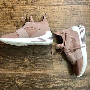 Stylish Gym Shoes